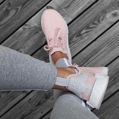 Nike Internationalist Women's Shoe - barely rose - style