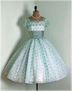 Tea Cup Dress  http://eclecticfusion.hubpages.com/hub/Vintage-Dresses-From-The-40s-50s