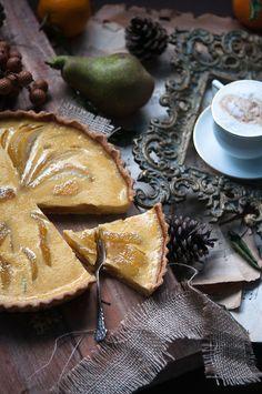 Caramelized pear and orange custard tart with rosemary crust | Gourmantine