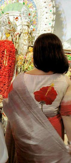 Saree Blouse                                                                                                                                                                                 More Saree Jacket Designs, Saree Blouse Patterns, Saree Styles, Blouse Styles, Kurtha Designs, Blouse Desings, Saree Jackets, Embroidery Fashion, Indian Beauty Saree