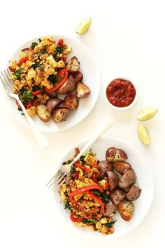 SIMPLE Veggie Tofu Scramble! Southwest flavors, tons of veggies and SO delicious! #vegan #glutenfree