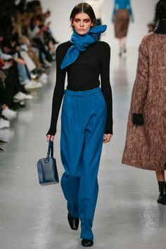 J. JS Lee Fall 2017 Ready-to-Wear Collection Photos - Vogue