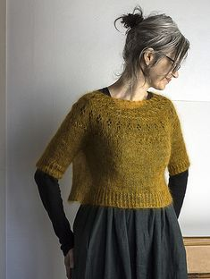 Ravelry: Ranunculus pattern by Midori Hirose The Effective Pictures We Offer You About clothes outfits A quality picture can tell you many things. You can find the most beautiful pictures that can be Ranunculus, Mode Inspiration, Pulls, Dressmaking, Get Dressed, Hand Knitting, Ravelry, Knitwear, Knitting Patterns