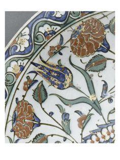 Plat à la palme au galon perlé - Musée national de la Renaissance (Ecouen)