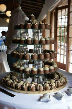 Sweeti Pie Wedding Cake Kos, Pie Wedding Cake, Wedding Inspiration, Wedding Ideas, Wedding Bells, Dream Wedding, Desserts, Wedding Cake, Tailgate Desserts