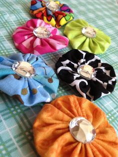 Lillie Clips - Bright Fun Hair Clips For Every Little Girl. $3.50, via Etsy. (Free Shipping)