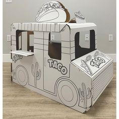 Taco 'bout a fun imaginative play experience! If your little one has a creative streak and a fun imagination, they'll absolutely love this . Cardboard Car, Cardboard Playhouse, Taco Food Truck, Food Trucks, Diy For Kids, Crafts For Kids, Babyshower, Food Truck Design, Activities For Boys
