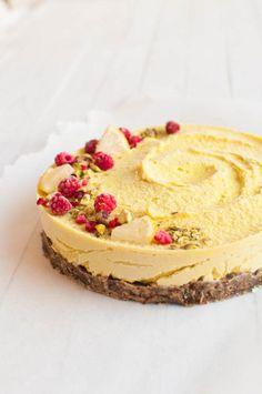 Raw vegan lemon cheesecake raw cake healthy recipe sugar-free - a href=&quo Raw Vegan Cake, Raw Vegan Desserts, Raw Cake, Raw Vegan Recipes, Lemon Desserts, Vegan Dessert Recipes, Raw Vegan Cheesecake, Vegan Raw, Vegan Food
