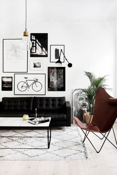 Living Room Black Couch - Scandinavian Interior Modern Design Interior Design Christmas Wardrobe Fashion Kitchen Bedroom Living Room Style Tattoo Women Cabin Food Farmhouse Architecture Decor Home Bathroom Furniture Exterior Art People Recipes Modern Wedd Interior Modern, Modern Interior Design, Masculine Interior, Stylish Interior, Midcentury Modern, Room Interior, Modern Decor, Asian Interior, Country Interior