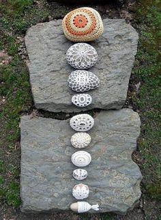Crochet Stone, Crochet Motif, Yarn Bombing, Rock Art, Doilies, Lana, Bracelet Watch, Outdoor Decor, Crafts