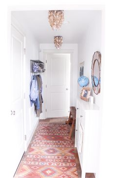 Small Entry Decorating and Organizing
