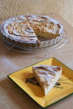 """750g vous propose la recette """"Tarte normande aux pommes traditionnelle"""" publiée par nimuhe."""