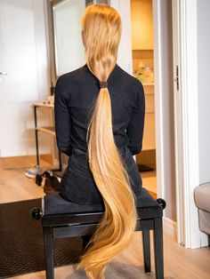 VIDEO - Very long dark hair play and hair vs. the came - RealRapunzels Long Ponytail Hairstyles, Long Hair Ponytail, Long Ponytails, Long Dark Hair, Long Blond, Long Hair Models, Long Hair Play, Beautiful Red Hair, Playing With Hair
