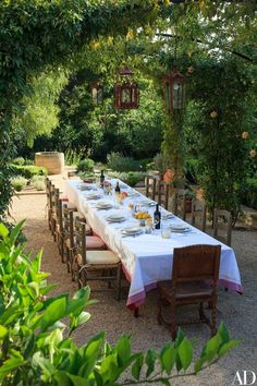 Beautiful Outdoor Dining : Savage Life Skills: Faith + Business and Vintage Skills : Marc Appleton Creates a Rustic, Mediterranean-Inspired Garden Photos Outdoor Rooms, Outdoor Dining, Outdoor Gardens, Small Courtyard Gardens, Courtyard Ideas, Small Gardens, Dining Area, Backyard Patio, Backyard Landscaping