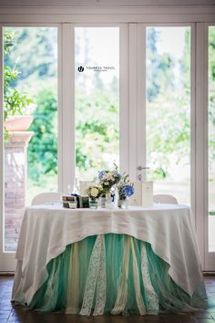 tavolo degli sposi con tulle e pizzo, the spouses' table with lace and tulle