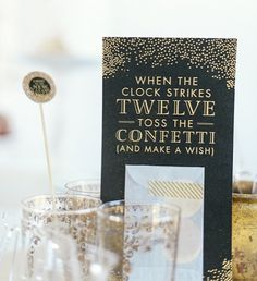 Happy New Year! New Year's Party Ideas:: Decorations and invitations for New Years Eve / black event ideas New Years Wedding, New Years Eve Weddings, New Years Party, Wedding Dj, Wedding Reception, Wedding Ideas, Silvester Diy, Silvester Party, Nye Party