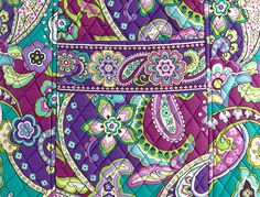 Image from http://www.fashiontrendsetter.com/accessories_images/2014/Vera-Bradley-Tote-03b.jpg.