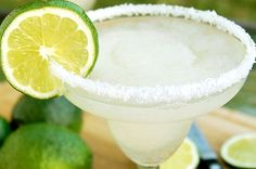 How To Make A Margarita Recipe - http://healthyrecipesideas.com/how-to-make-a-margarita-recipe/