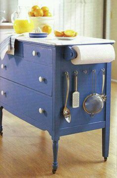 DIY Kitchen Islands Made from Old Dressers: LOVE! Now all I need is to find a few old dressers! Diy Furniture Projects, Repurposed Furniture, Furniture Makeover, Home Projects, Painted Furniture, Dresser Repurposed, Refurbished Furniture, Upcycling Projects, Reuse Furniture