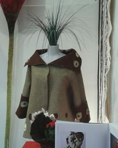 Me visto de bosque. Nuno felt by Kris Meraki Nuno, Textiles, Meraki, Clothing, Women, Fashion, Woods, Outfits, Moda