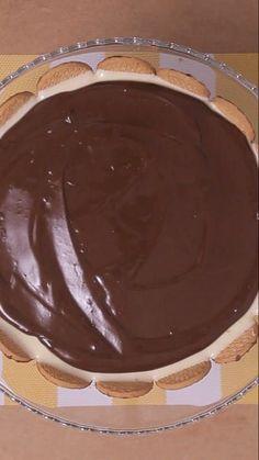 Torta holandesa bem cremosa e com uma cobertura deliciosa de chocolate, simplesmente irresistível!