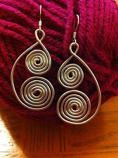 Stargazun Designs: Curly Silver Wire Earrings
