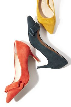 Suede pumps with chic bow details