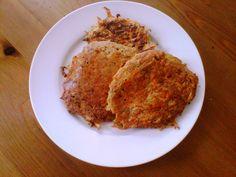 Carrot cake breakfast pancakes - paleo 4 ingredients, simple