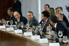 """""""Solidariedade federativa"""" garantiu renegociação de dívidas, dizem governadores - http://po.st/NqO5LU  #Política - #Acordo, #Dívidas, #Governadores"""