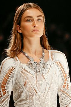 http://vintelegance.blogspot.com/ Upcoming Trends On The Runway For Jewelry 2014 #VintElegance