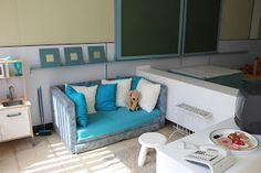 Een minihuisje als huishoek: Wat leuk om een zetel en een tv te plaatsen in je huishoek.
