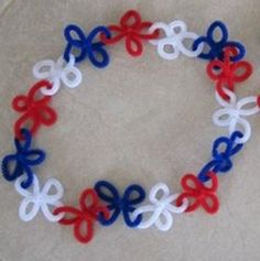 If you're looking for Fourth of July craft ideas to make with young children, these of July Pipe Cleaner Leis are a great project. Kids love pipe cleaner crafts and they'll especially love parading around in these homemade Fourth of July crafts! Summer Crafts, Holiday Crafts, Holiday Fun, Crafts For Kids, Arts And Crafts, Easter Crafts, Halloween Crafts, Summer Fun, Memorial Day Foods