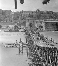 Ilyen is volt Budapest - a Lánchíd és a Clark Ádám tér Paris Skyline, New York Skyline, Historical Photos, Hungary, History, Bridges, Travel, Beautiful, Retro