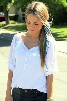Différentes manières de porter un foulard façon catogan en queue de cheval dans les cheveux attachez autour de la queue, idées de coiffures.