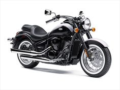 You need a classic cruiser appearance by former old motorcycles which once captivated by its appearance now are packed in new technology and now breathtaking and drivers with the ease of management and passersby who remain behind you staring at you for a long time. Model for 2103