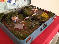 Train in a suitcase from model builder Bob Irmscher. Model Training, Making A Model, Hobby Trains, Train Table, Great Hobbies, Model Train Layouts, Train Set, Model Building, Classic Toys
