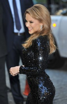 Singer Kylie Minogue dazzles as she arrives at the 'Holy Motors' UK film premiere held at the Curzon Mayfair in London on September Kylie Minogue, Dannii Minogue, Melbourne, Beautiful People, Most Beautiful, Beautiful Women, Dead Gorgeous, Absolutely Gorgeous, Hollywood