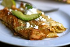 Chile Verde Chicken Enchiladas - Palo I really want to make these, but they look like a lot of work!