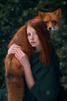 Lady in a green dress with red hair holding a red fox. Beautiful pic with the green foliage in the background! So pretty! From Surreal photos. Fantasy Photography, Animal Photography, Portrait Photography, Friend Photography, Photography Women, Beautiful Creatures, Animals Beautiful, Cute Animals, Magical Creatures