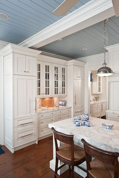 Coastal kitchen, ceiling & cabinets.