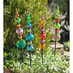 Glass Finial Totem Garden Stake | Decorative Garden Accents *Can this be done w/ Chtistmas Ornaments?*
