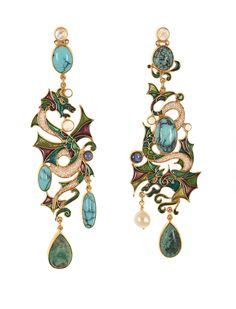 The Percossi Papi Atelier's fantastic vision of the animal kingdom Enamel Jewelry, Jewelry Art, Vintage Jewelry, Jewelry Accessories, Jewelry Design, Women Jewelry, Unique Jewelry, Jewellery, Dragon Jewelry