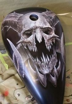 Monster Skull B/W - Best Airbrush Art Images, Videos and Galleries: share, rate thousand of Pictures and discover the latest uploads! - Just Airbrush Skull Painting, Air Brush Painting, Car Painting, Custom Motorcycle Paint Jobs, Custom Paint Jobs, Airbrush Designs, Airbrush Art, Motorcycle Tank, Pinstriping