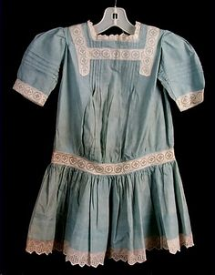 """Girl's dress This actual dress might be a good inspiration for a """"Pollyanna"""" dress! Antique Clothing, Historical Clothing, 1900s Fashion, Vintage Fashion, Jeanne Lanvin, Doll Costume, Costume Makeup, Period Outfit, Fashion History"""