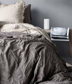 Harmaat tai valkoiset pussilakanat - ehkä puuvillaa, jos pellava liian karkeaa ilman kuivausrumpua? Product Detail | H&M FI