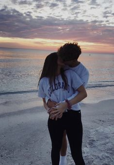 VSCO - theperfectboyfriend - Bilder distance relationship advice aesthetic goals ideas memes photos pictures problems quotes tips Cute Couples Photos, Cute Couple Pictures, Cute Couples Goals, Romantic Couples, Cute Couple Stories, Cute Boyfriend Pictures, Couple Goals Teenagers, Couple Ideas, Couple Stuff
