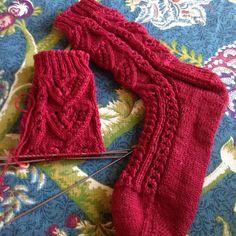 Sock the second takes shape #littlenutmegproductions #meghanjoneslnmp #knit #knittingaddict #knits #knitting #knitting_inspiration #knitted #knitlove #knitters #knittersofig #knittersoftheworld #knittersofinstagram #makersofinstagram #knitdesign #knitdesigner #design #designer #knitstagram #knittersofravelry #sockknitter #socks #sockknitting #sockknittingaddict #sockknitters #sockknittersofig #sockknittersofinstagram #sockknittersanonymous #socks #yarngeekfibers