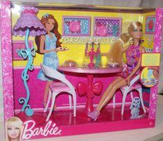 Awesome Mattel X BARBIE Puppe mit ESSZIMMER M beln Bistro Tisch St hle und Zubeh r Neu