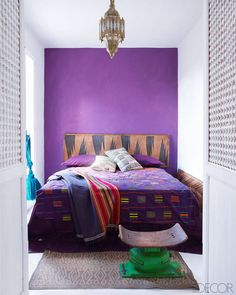 2018 pantone color of the year, pantone color of the year 2018, A Sunny Home On The Adriatic Coast - Southern Italy Home - ELLE DECOR, small white bedroom with purple accent wall, pantone ultra violet, bright purple, dark purple, violet