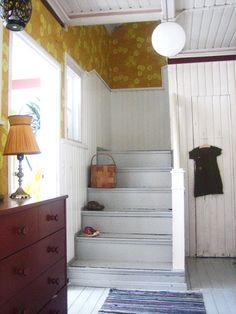 MUKAVA: Vanha koti Cottage Kitchens, Cottage Homes, Wood Interior Design, Antique Interior, Cottage Interiors, Interior Design Living Room, Decoration, House Design, Scale